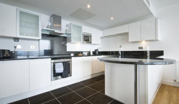kitchen refurbishment 1